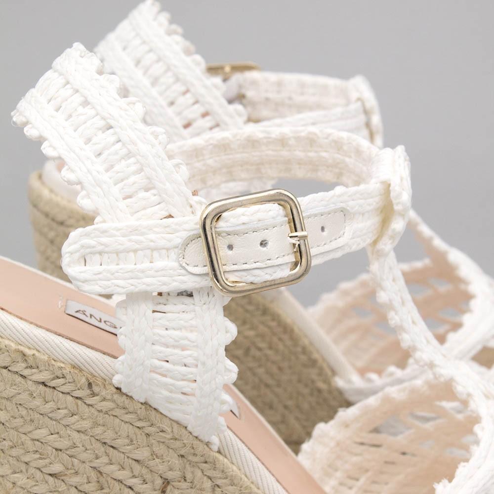 MARGOT - Alpargatas de novia de cuña de esparto. Espardeñas ibicencas de zapatos de novia blancos 2020 con hebilla Ángel Alarcón