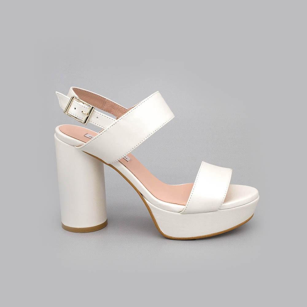 NOA - Sandalias de novia plataforma tacón redondo y alto. Zapatos de novia 2020 de piel blanca Ángel Alarcón España