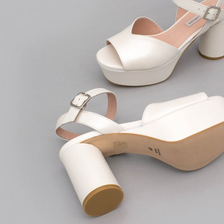 White leather - INNA - Medium, rounded and block heel platforms. Wedding shoes. 2020 collection. Angel Alarcon Made in Spain.