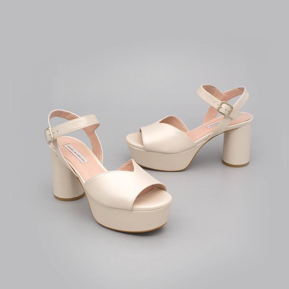 INNA Sandalias cómodas de piel hueso ivory de tacón medio ancho y plataforma zapatos de novia 2020