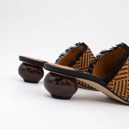 20109 FOGO Zueco de punta fina con tacón medio de diseño bola angel alarcon zapatos de mujer verano 2020 2021 España