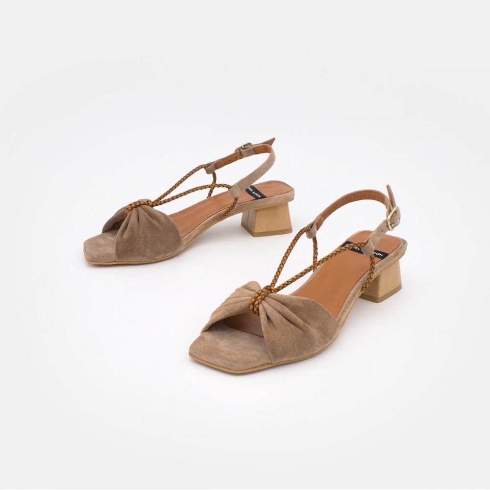 20116 PALAU Sandalias de piel ante marron nude con tacon bajo ancho con cuerdas zapatos mujer verano 2020 2021