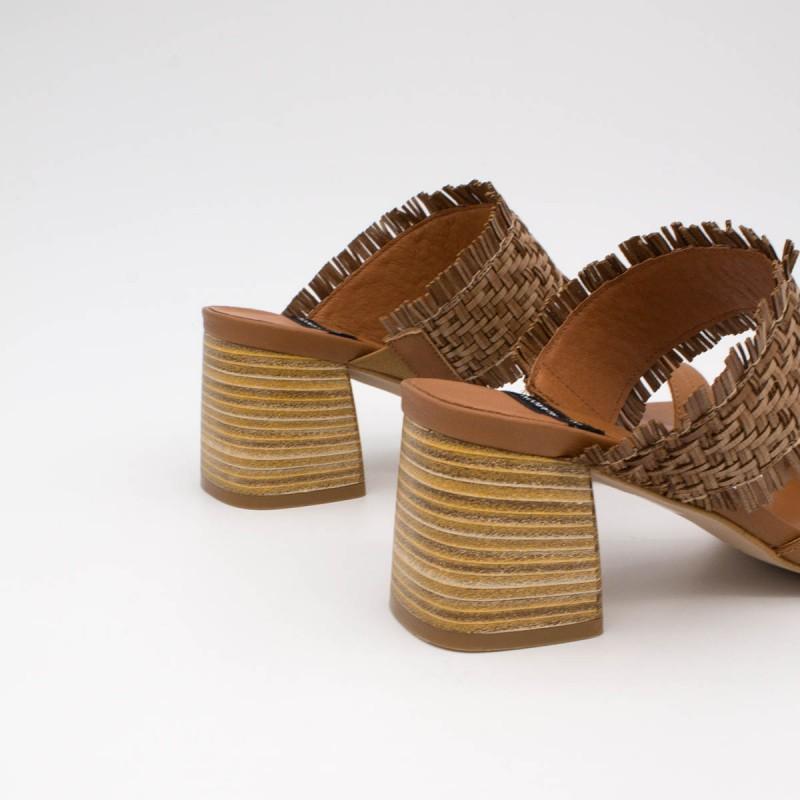 20028 color marron cuero BIOKO - Sandalias de vestir cómodas con tacón ancho de piel y rafia de  verano 2020 2021
