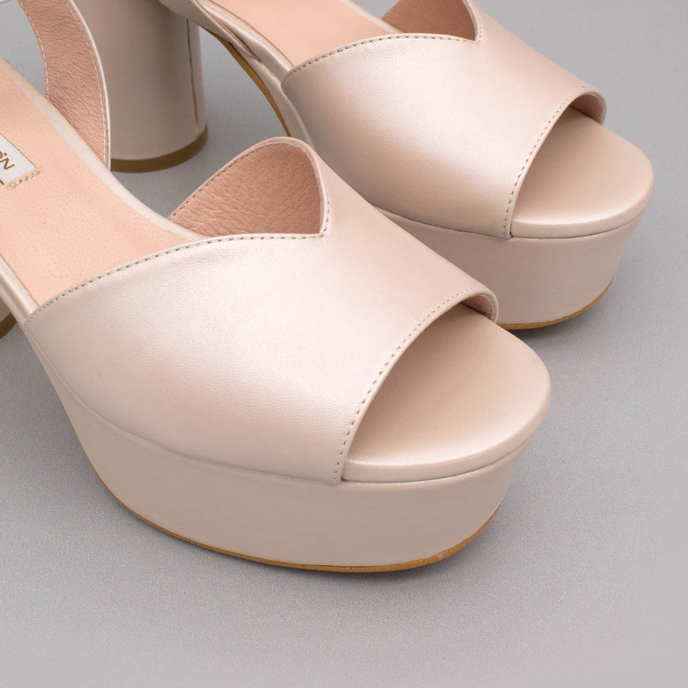 Nude leather - INNA - Medium, rounded and block heel platforms. Wedding shoes. 2020 collection. Angel Alarcon Made in Spain.