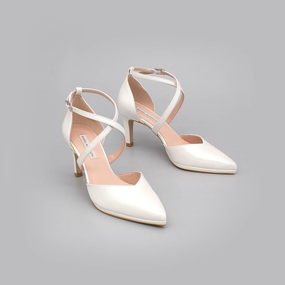 LILIAM - Zapatos de novia 2020 blanco tacón medio y mini plataforma cómodos elegantes de punta Ángel Alarcón España