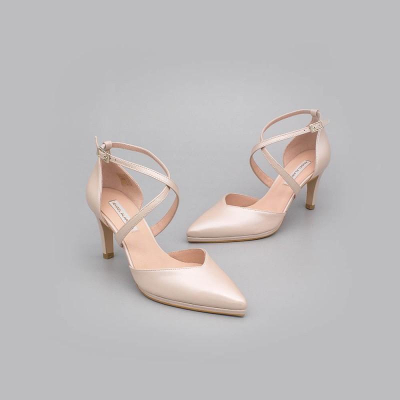 LILIAM - Zapatos de novia nude de piel 2020 tacón medio y mini plataforma cómodos elegantes de punta Ángel Alarcón España