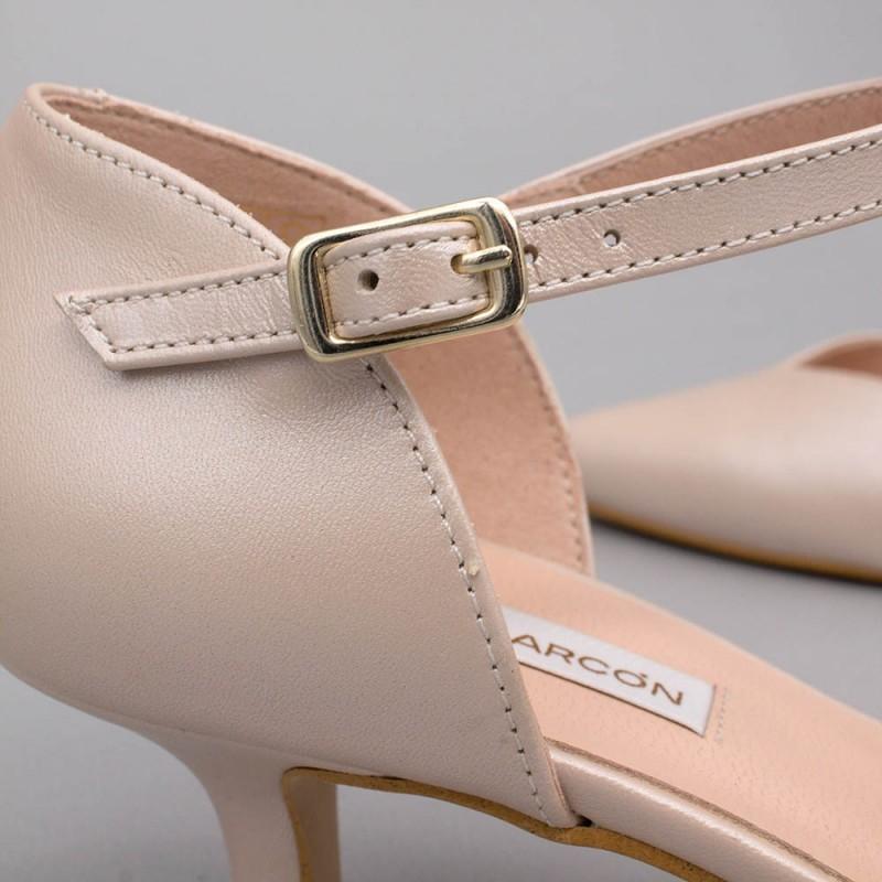 ELOISE piel nude rosa palo Zapatos bajos con pulsera de punta cerrada - zapatos de novia y fiesta Angel Alarcon 2020
