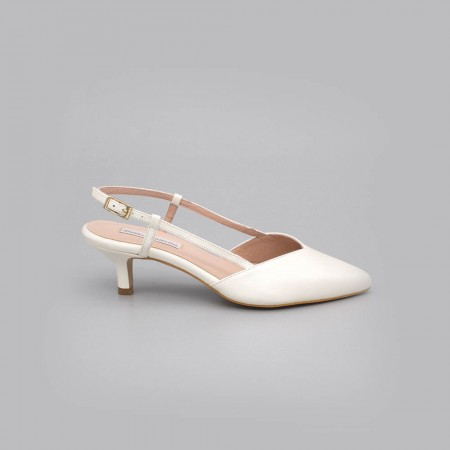 white leather - OLEV - low kitten heel closed toed ankle-tied shoe slingback. Ángel Alarcón. Made in Spain. Wedding shoes 2020.