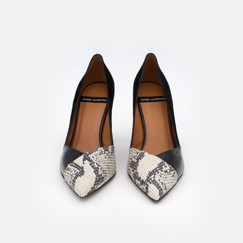 20539-106R NIAS - Stiletto de tacón de piel, charol y print serpiente blanco y negro invierno 2020. Zapatos de mujer España