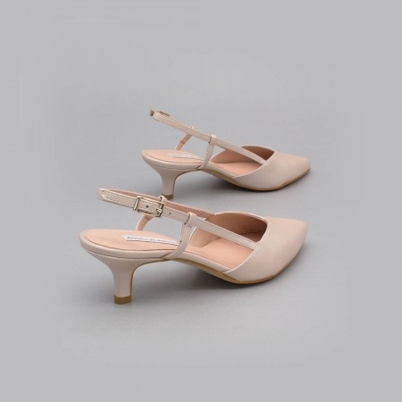 Nude leather - OLEV - low kitten heel closed toed ankle-tied shoe slingback. Ángel Alarcón. Made in Spain. Wedding shoes 2020.