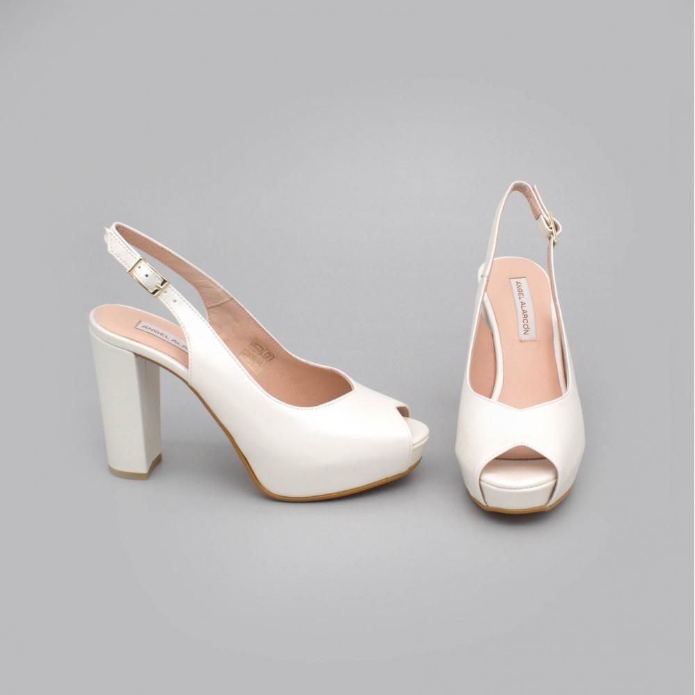 ZOE - peep toe blanco de piel. Zapatos destalonados tacón alto ancho y plataforma. Zapatos de novia 2020 Ángel Alarcón boda