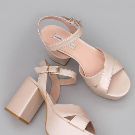 BERTA Sandalias muy cómodas con tacón medio ancho y plataforma zapatos de novia 2020 piel nude rosa palo Ángel Alarcón España