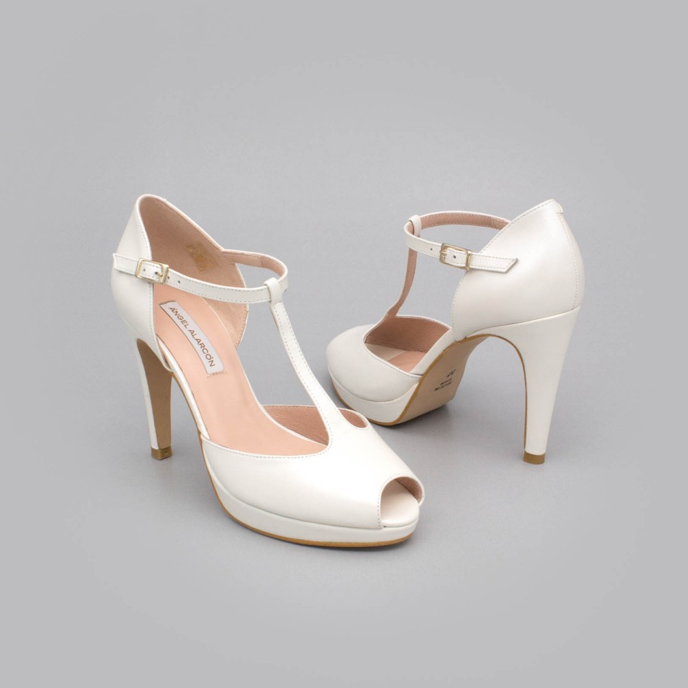 White leather CHARLOTE - High heel t-strap platform peep toe. Ángel Alarcón Wedding shoes 2020. Made in Spain.