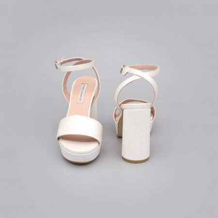 HANNA Sandalias tacón redondo y alto de purpurina con plataforma zapatos de novia blanco piel Angel Alarcon 2020 España mujer