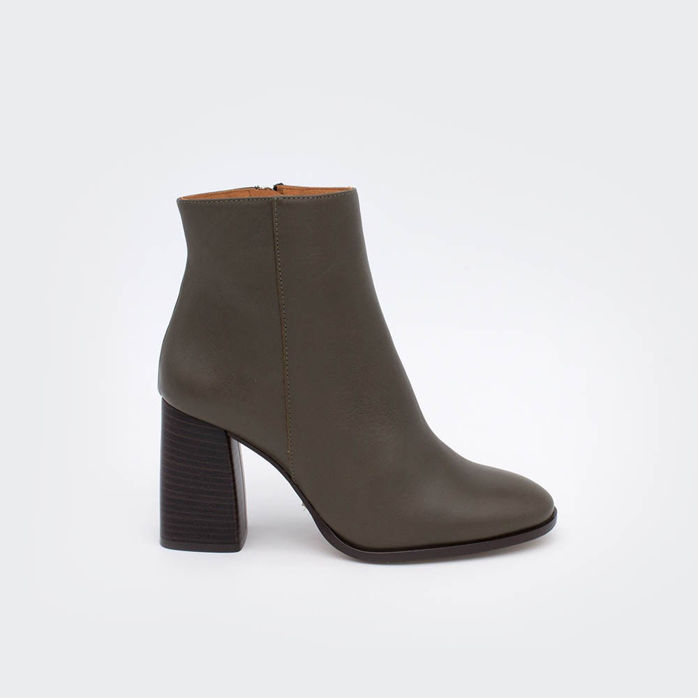 TEXEL - Wide heels round toe ankle boots with zipper olive green leather 20602-540C. Woman shoes winter 2020 2021 Made in Spain