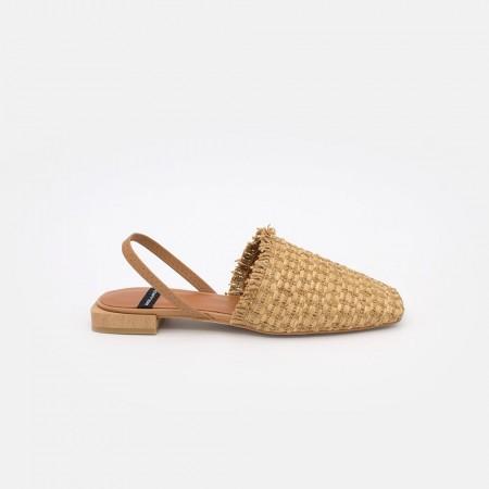 Marrón Natural. Zapatos planos de punta cerrada cuadrada destalonados, de rafia primavera verano 2021. 21062 NADRA