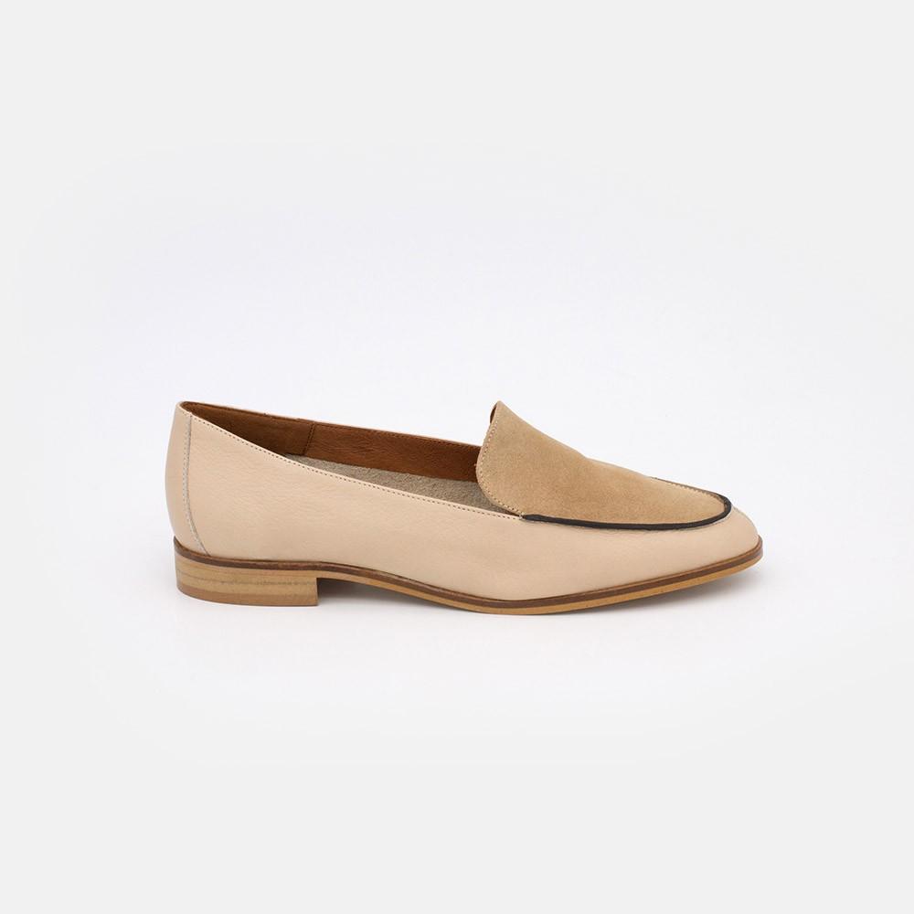 Zapatos piel ante nude. MEDES 20138 Mocasines de verano 2021 para mujer planos con punta redonda. Made in Spain. Angel Alarcon