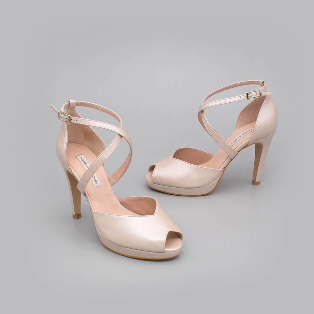 ANIKA Zapatos de novia 2020 tacón alto y plataforma peep toe sujeto Angel Alarcon España mujer hebilla piel nude rosa palo