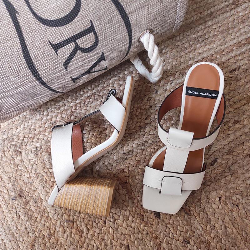 zapato mujer blanco SEDIR Sandalias de tipo mule con tacón alto y ancho de madera verano 2021 angel alarcon 20062-555E