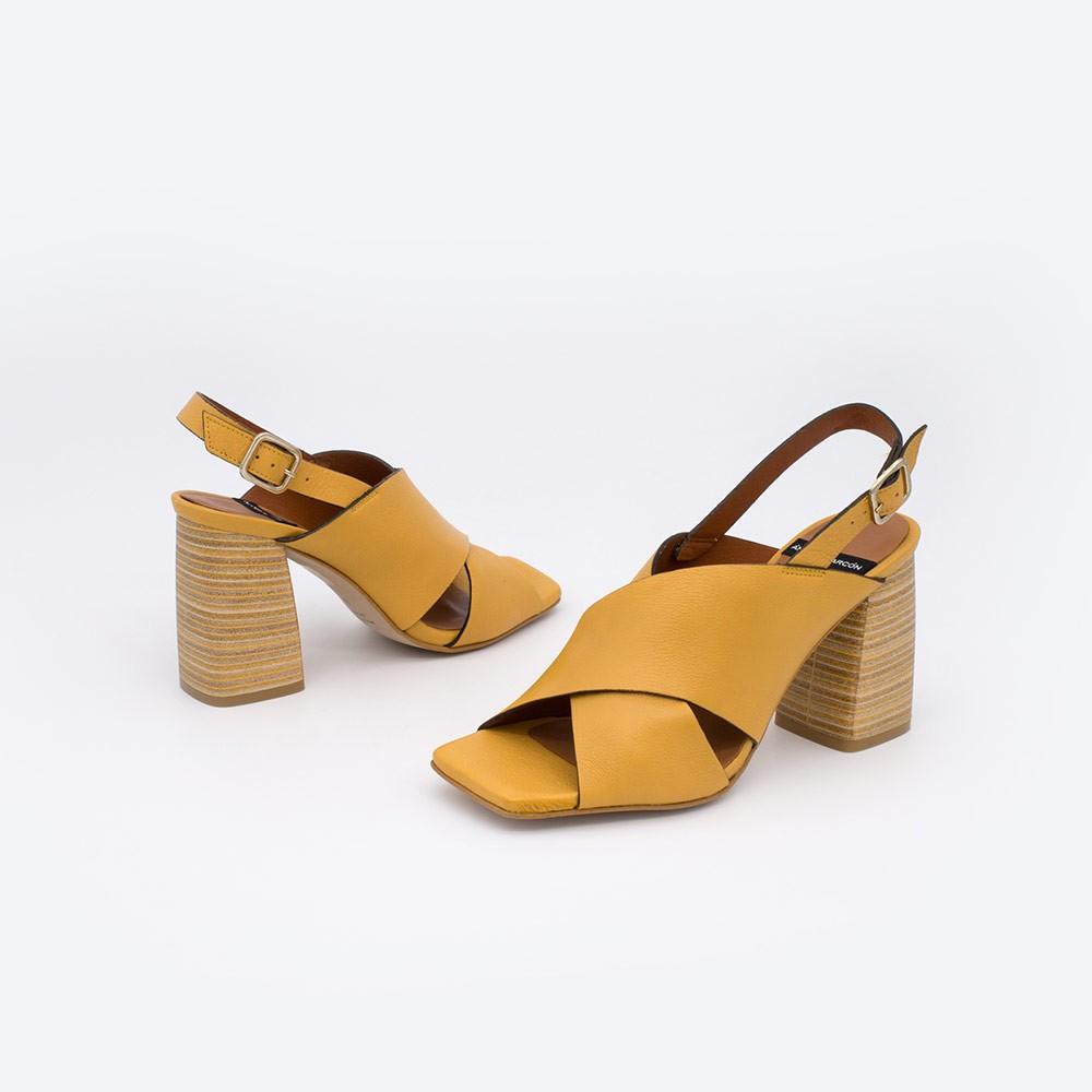 20064 piel amarillo mostaza MURANO Sandalias de mujer con tacon alto y ancho de madera. Zapatos verano 2021 angel alarcon