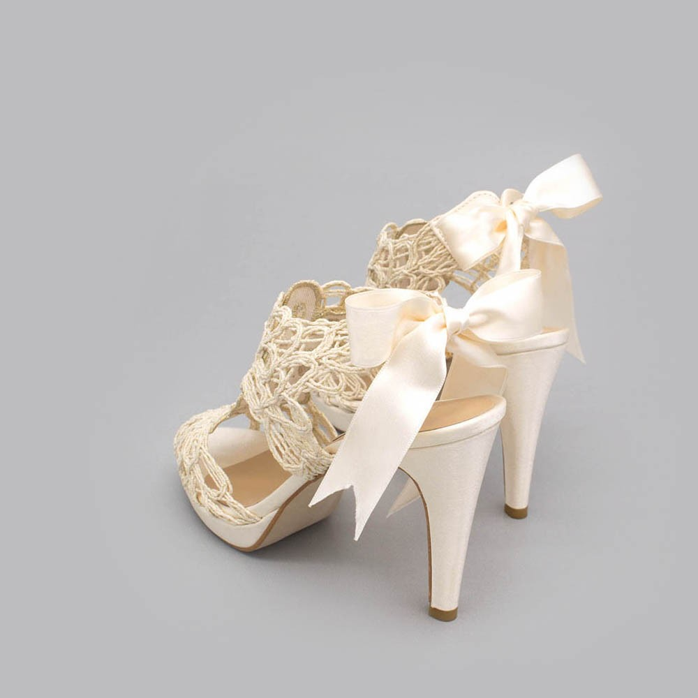 Ivory lace satin - LOVERS - Platforms High heels Sandals. Wedding and party women's shoes 2020. Made in Spain. Angel Alarcon.