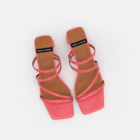piel coral OLAYA Sandalia de tiras minimalista con tacon bajo. Zapatos mujer. Verano 2021 Ángel Alarcón 21092-253H