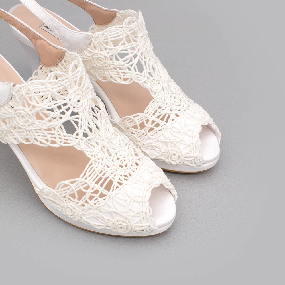 LOAN Sandalia de novia de cordela con tacón medio y plataforma blanco blanca zapatos de novia 2020 Ángel Alarcón boda España