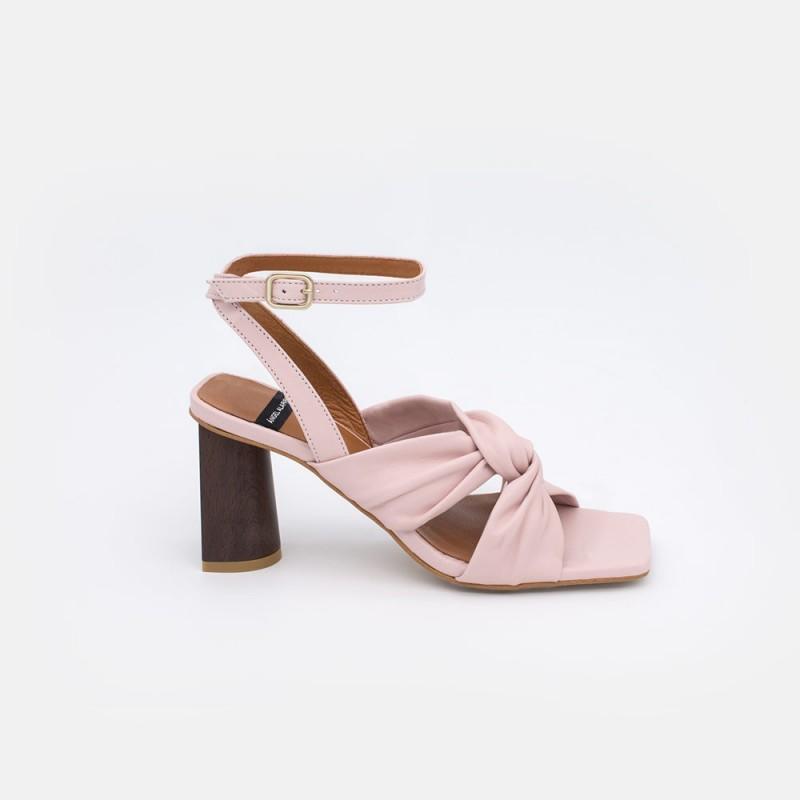 21026-526C piel rosa palo KAMAR Sandalia con tacon alto de piel entrelazada verano 2021