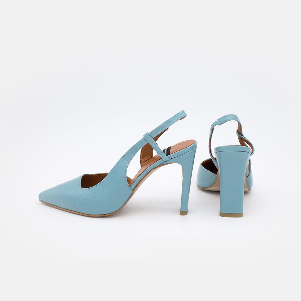 Zapatos mujer piel azul cielo TAHRA Stiletto destalonado asimetrico de tacon comodo verano 2021. Ángel Alarcón 21080-106R