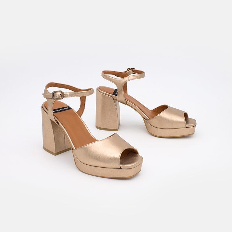 metalizado bronce piel SAZAN Sandalias de tacón alto grueso y plataforma para mujer. Verano 2021 Angel Alarcon 20036-432G.