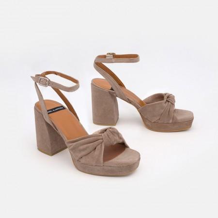 zapatos mujer ante beige marron LIDO Sandalias de nudo con tacón alto ancho y plataforma. Verano 2021 Angel Alarcon 20037-432G