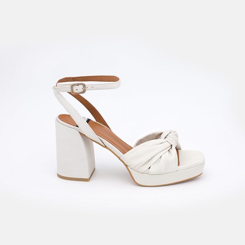 zapatos mujer piel blanco LIDO Sandalias de nudo con tacón alto ancho y plataforma. Verano 2021 Angel Alarcon 20037-432G