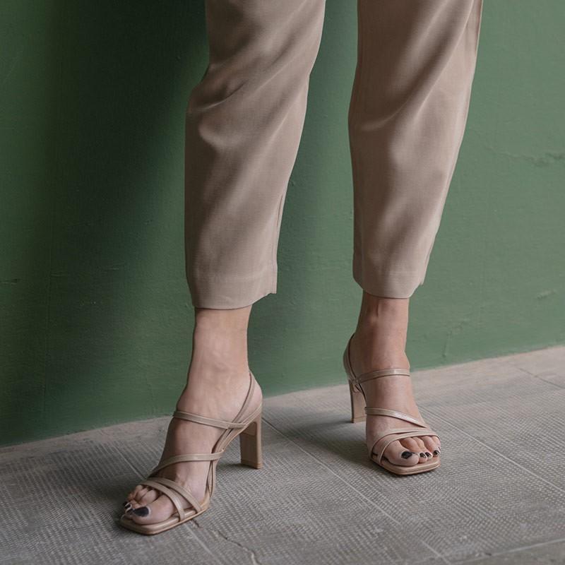 piel marrón claro BADRA - Sandalia de tiras finas con tacon para mujer. Zapatos primavera verano 2021. 21046-750V Angel Alarcon