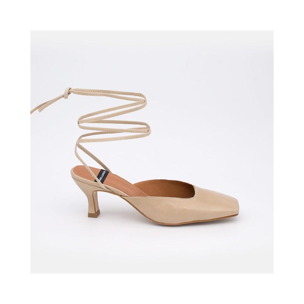 color nude piel MAISAE Zapatos elegantes de cuerdas atadas al tobillo. Zapatos mujer verano 2021 21131-507I Ángel Alarcón