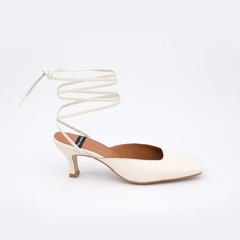 color blanco piel MAISAE Zapatos elegantes de cuerdas atadas al tobillo. Zapatos mujer verano 2021 21131-507I Ángel Alarcón