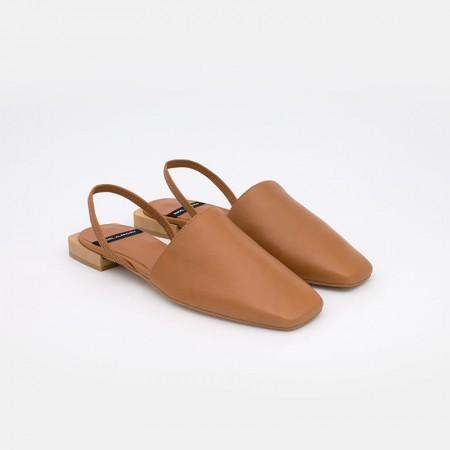 cuero IMANE Zapatos planos de punta cerrada cuadrada destalonados, de piel. Zapatos mujer verano 2021 21159-535A Ángel Alarcón