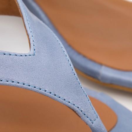 piel azul cielo BORA - Sandalia de dedo con tacón bajo grueso bikini mujer. Primavera verano 2020 ss20 Ángel Alarcón zapatos