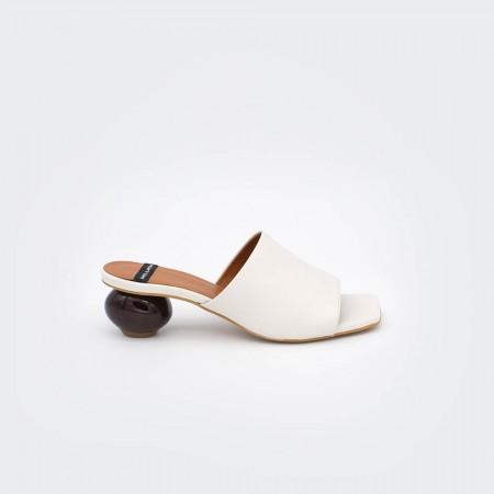 zapatos blanco tacón redondo madera SOCOTRA - Zueco de piel de tacón bajo de diseño Primavera verano 2020 ss20 mujer