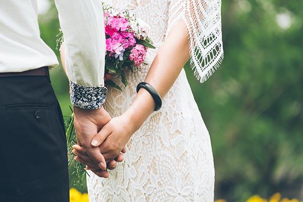 Detalle negro en boda pulsera