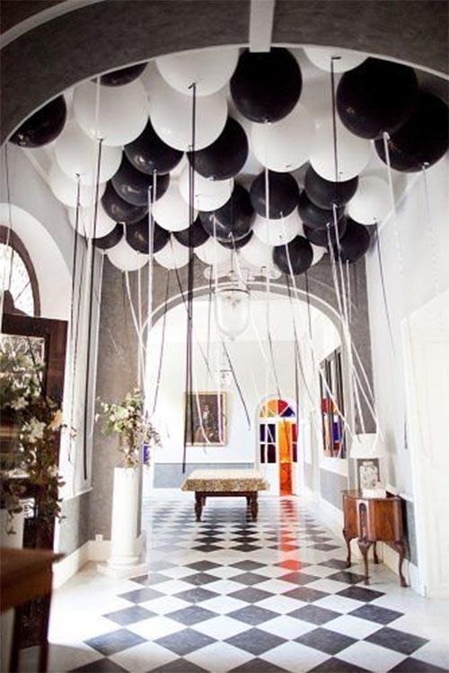 decoracion boda blanco y negro globos