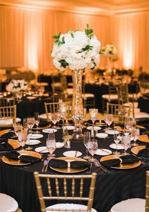 decoracion de banquete de boda blanco y negro