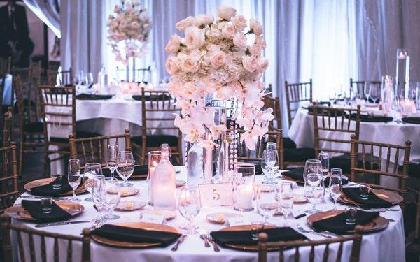 decoración de boda blanco y negro manteleria y servilletas