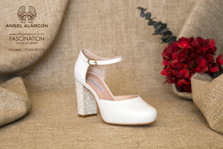 zapatos de novia 2019 de la marca Angel Alarcon 19163-5011A NACAR C