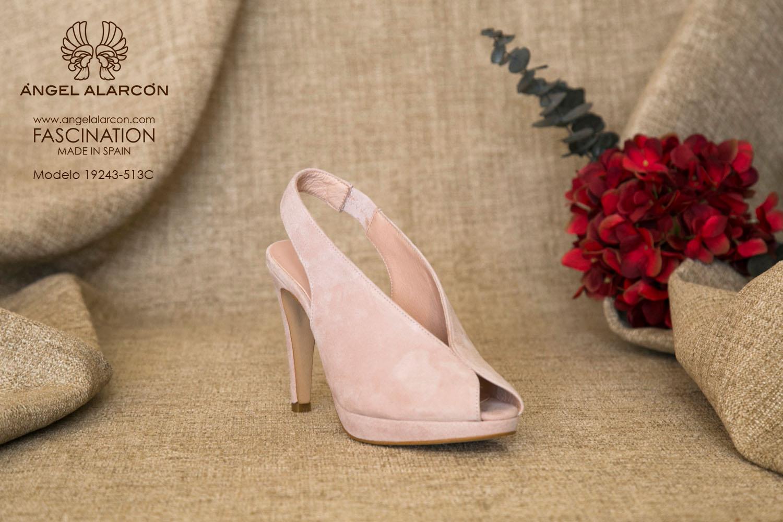 zapatos de novia 2019 de la marca Angel Alarcon 19243-513C color nude o rosa palo zapatos de novia de color en ante o piel
