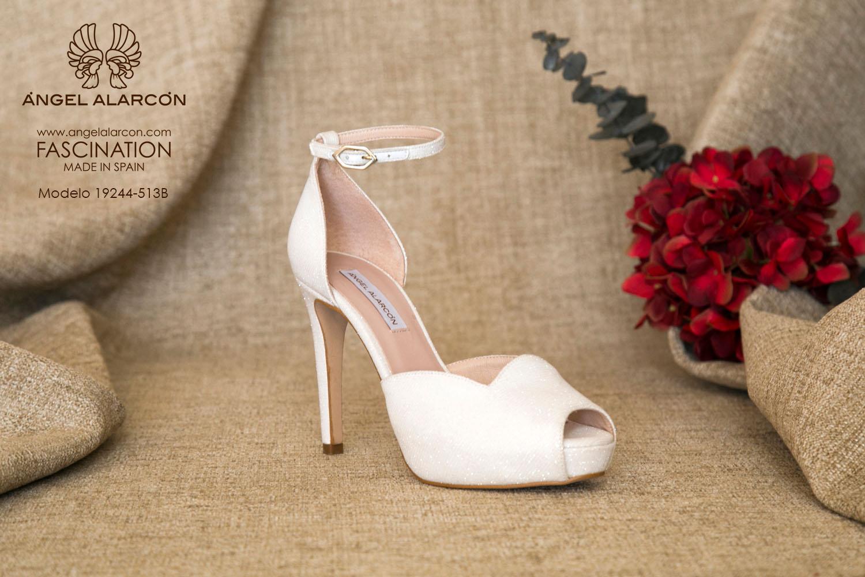 zapatos de novia 2019 de la marca Angel Alarcon 19244-513B atado al tobillo, peep toe, d'orsay, tacón alto y plataforma