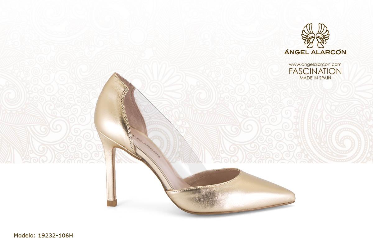 24 stiletto de vinilo oro dorado - zapatos de vestir y fiesta de la marca Angel Alarcon - calzado de mujer - coleccion primavera verano 2019 - 19232-106H