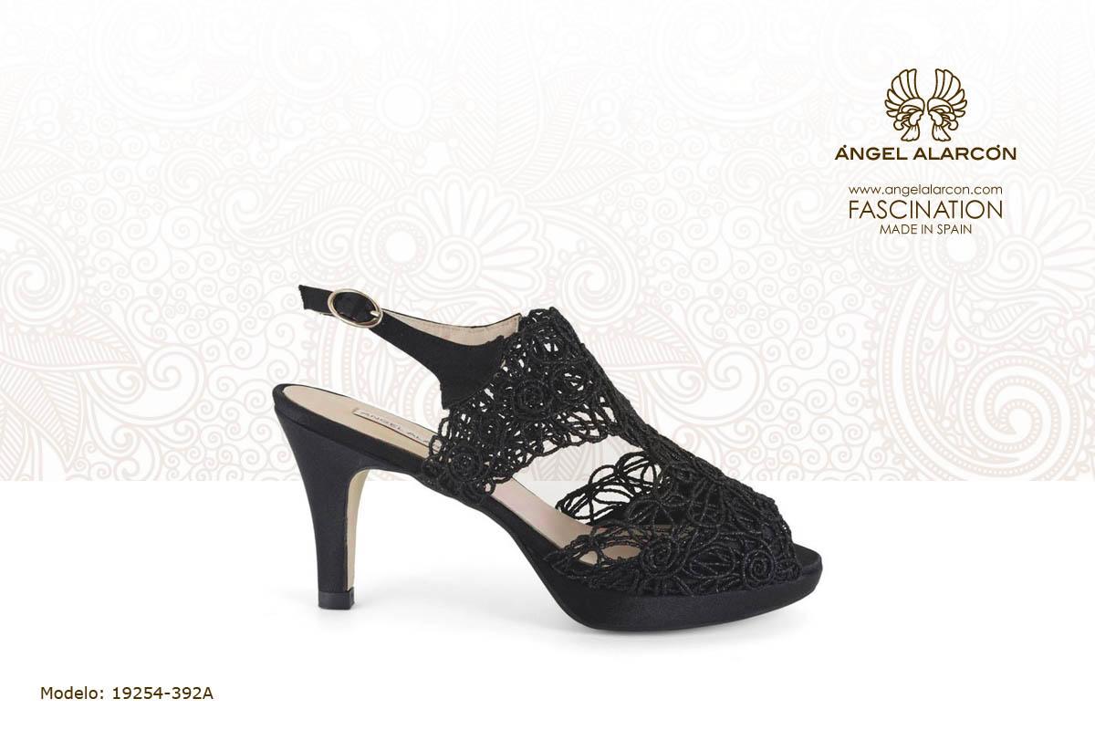 30 sandalia de tacon y plataforma negra - zapatos de vestir y fiesta de la marca Angel Alarcon - calzado de mujer - coleccion primavera verano 2019 - 19254-392A