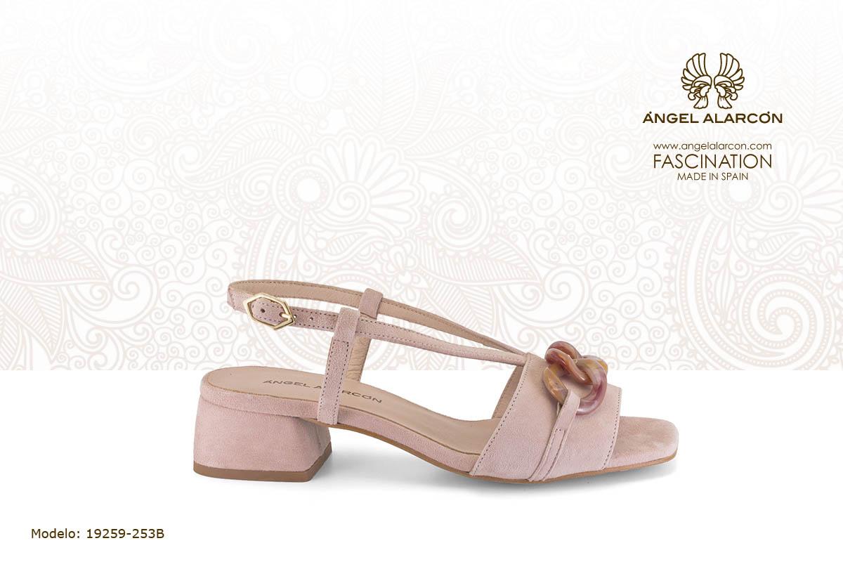 sandalia comoda 32 sandalia de tacon bajo ancho con adorno rosa palo - zapatos de vestir y fiesta de la marca Angel Alarcon - calzado de mujer - coleccion primavera verano 2019 - 19259-253B