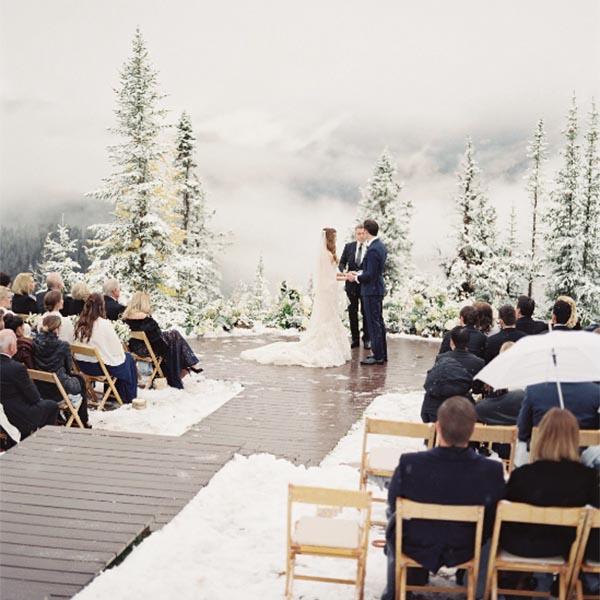 boda original única y diferente en invierno con nieve